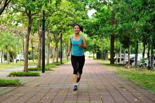 वॉकिंग- उठाइए सेहत के कदम