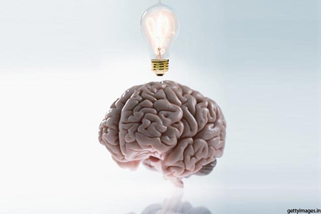 दिमाग से बत्ती जला