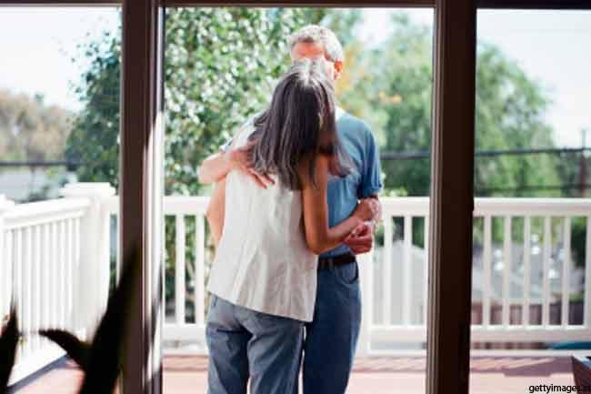सिर्फ प्यार का इजहार नहीं है चुंबन