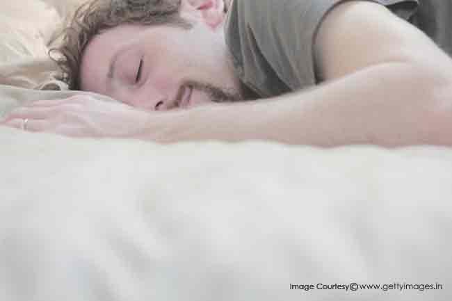 पूरी नींद लें