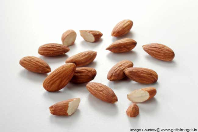 almonds weight loss or gain