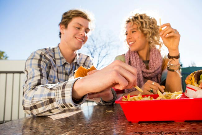 रेस्तरां से दूरी न बनाना