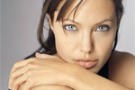 Angelina Jolie undergoes Double Mastectomy