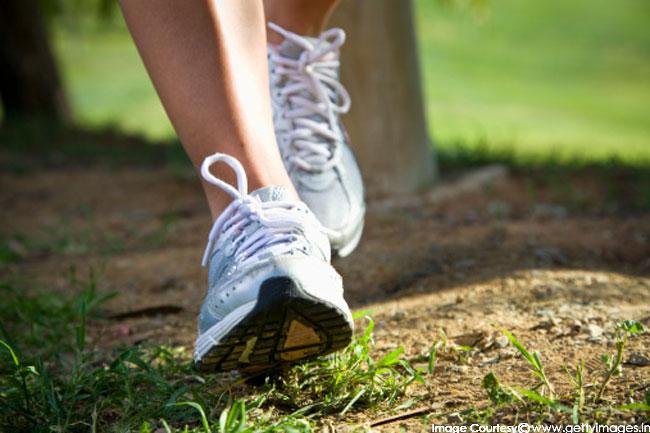 वॉकिंग या जॉगिंग