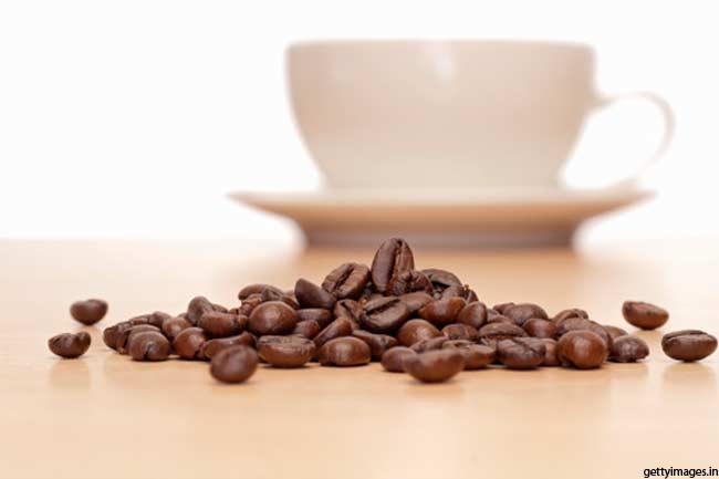 कैफीनरहित पेय पिएं