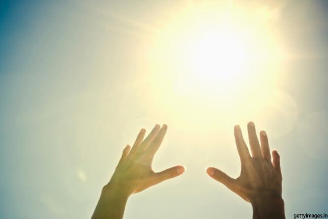 धूप का भरपूर आनन्द लें
