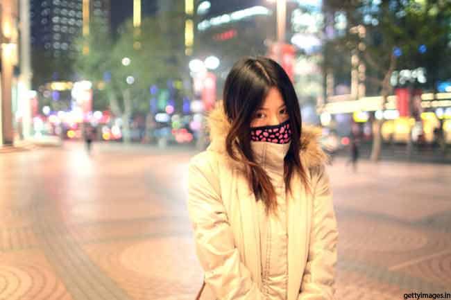 सर्दियों के कपड़े पहनें