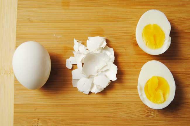 उबला अंडा