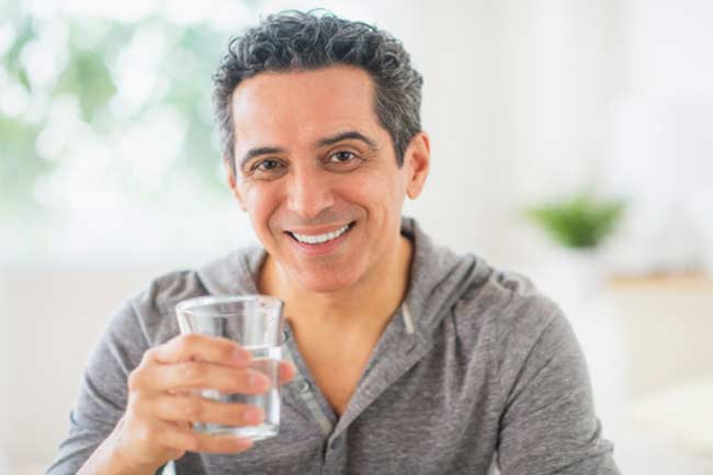 खाली पेट पानी पीना
