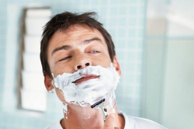 A Handy Shaving Kit