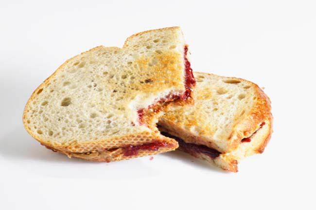चिप्स और ब्रेड