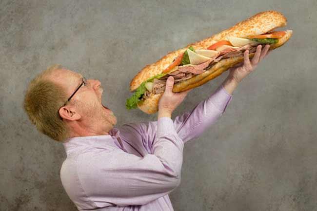 A 6-inch Roast Beef Submarine Sandwich