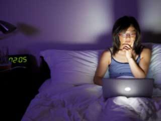 ये तकनीकी आदतें कर सकती हैं आपकी सेहत खराब