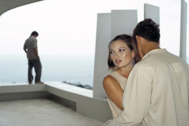 महिलाये कम धोखा देती है
