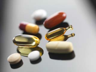 The Pros and Cons of Multivitamins