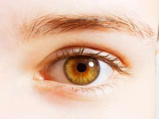आंखों की चमक बढ़ाने के कुदरती तरीके