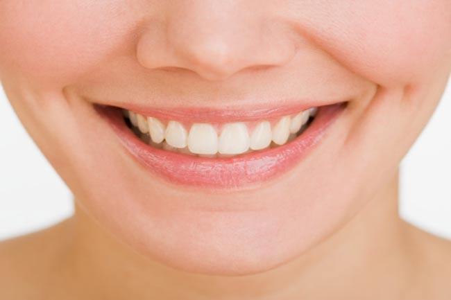 दांतों पर असर