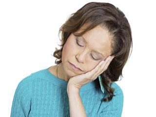 दिन भर थकान हो सकती है नार्कोलेप्सी का लक्षण