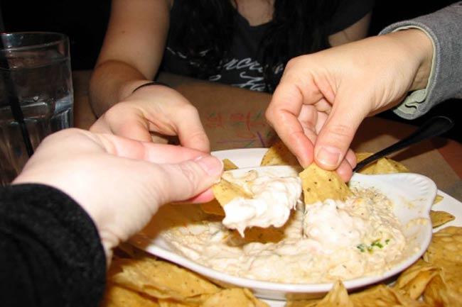 हाथ से खाने के फायदे
