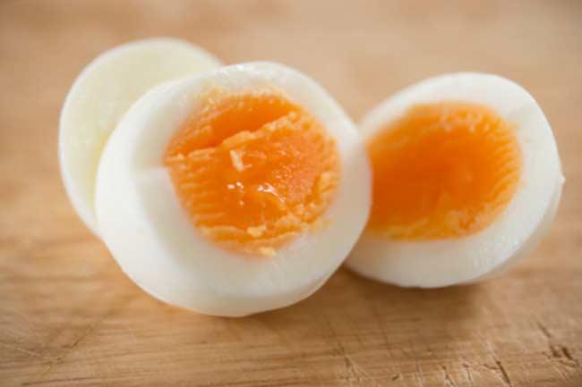 अंडा खायें