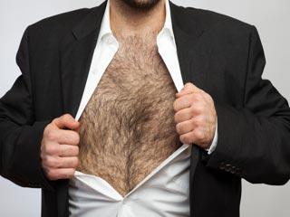 पुरुष कैसे पायें छाती और कमर के अनचाहे बालों से छुटकारा