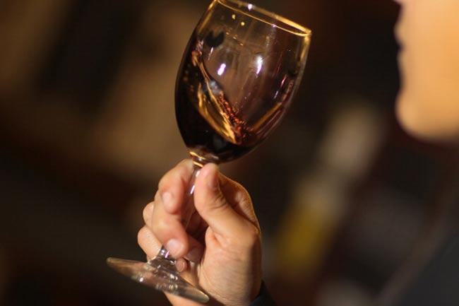 वाइन का सेवन