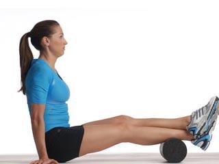 4 फॉर्म रोलर व्यायाम जो दस मिनट में दिलायें दर्द से आराम