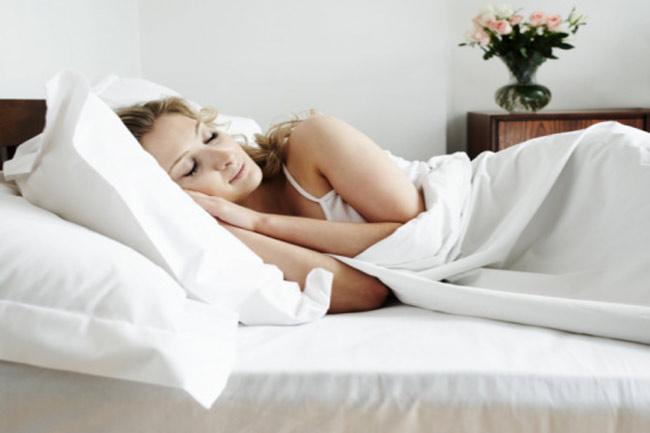 पर्याप्त नींद लें और हमेशा खुश रहें