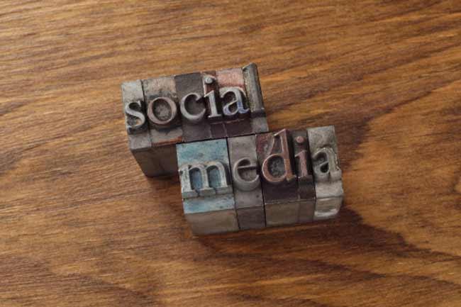सोशल मीडिया