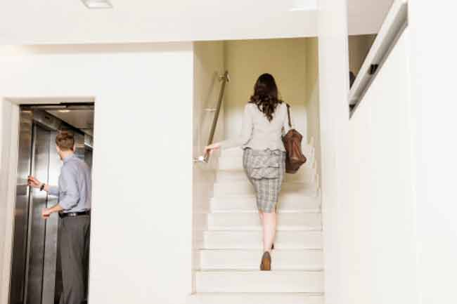 एलीवेटर नहीं सीढ़ी