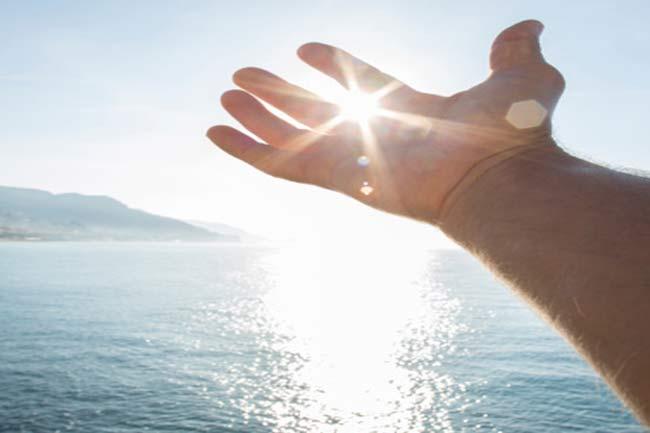 सुबह-सुबह सूर्य की किरणें