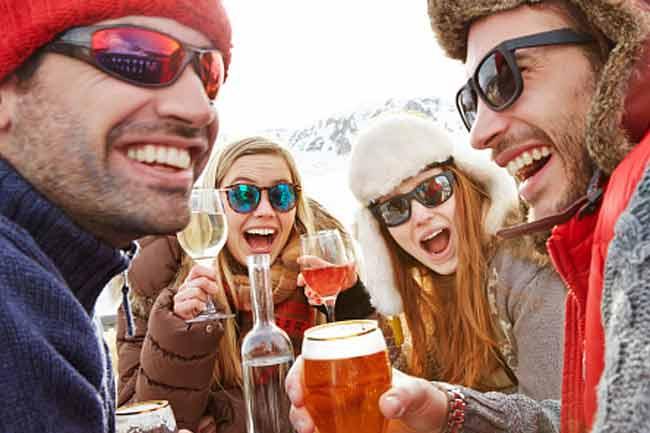 Myth:Drinking alcohol keeps you warm.
