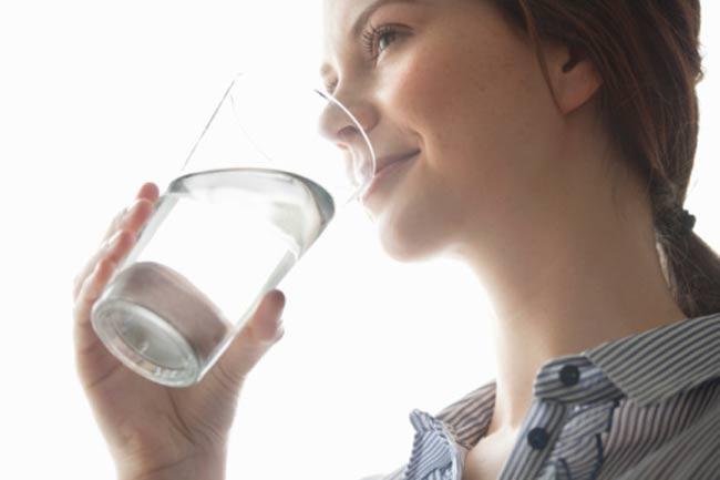 अधिक पानी पियें