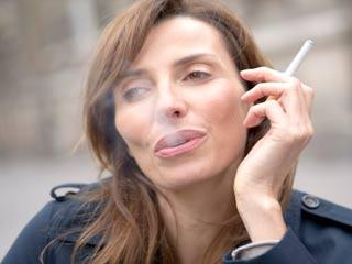 नजर को कैसे नुकसान पहुंचाता है धूम्रपान