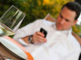 Use of Smartphone During Meals Hampers Parent-Children Bond