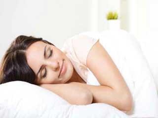 आठ कुदरती उपाय जो चैन की नींद दिलायें
