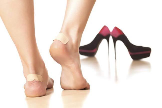 जूते से कटना