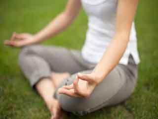 पेट की चर्बी हटाने के लिए करें योग