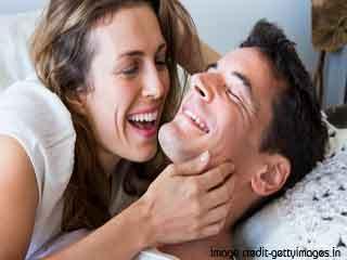 क्या कंडोम यौन आनंद को बढ़ाते हैं