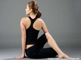 डायबिटीज़ के लिए योगा- अर्ध मत्स्येंद्रासना
