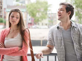 आपके रिश्ते पर बुरा असर डाल सकती हैं ये आठ बातें