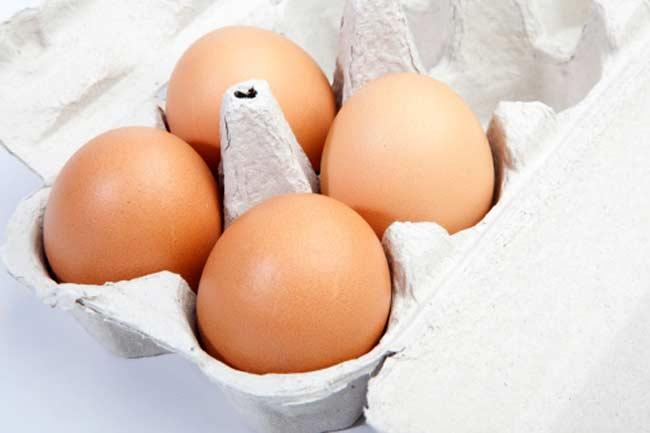 अंडे खायें
