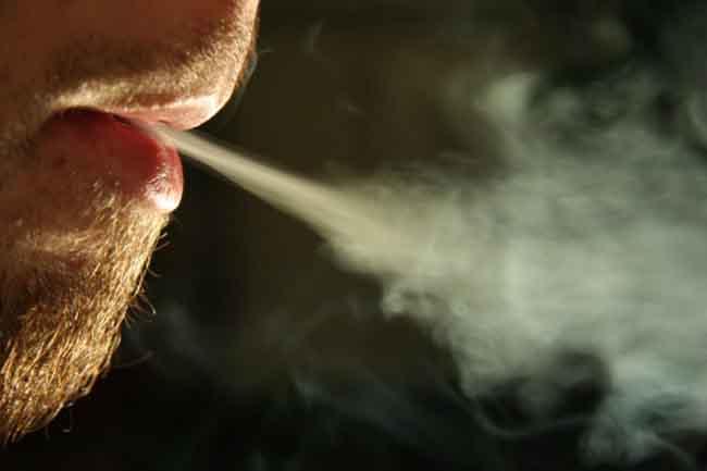 धूम्रपान से दूरी भली