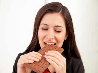 महिलाओं को अधिक चॉकलेट का सेवन क्यों करना चाहिये