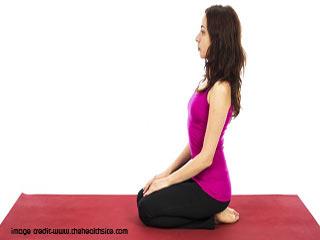स्वस्थ रहने के लिए योगा- वज्रासन