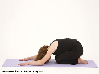 तनाव से बचने के लिए योगा -सुप्त उदराक्शनासन