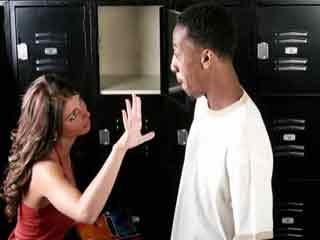 क्या आपकी गर्लफ्रेंड है ड्रामा क्वीन