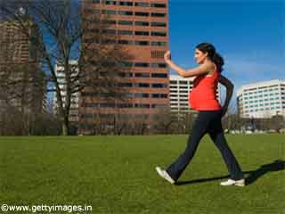 गर्भावस्था के दौरान कैसे रखें पैरों का खिंचाव दूर