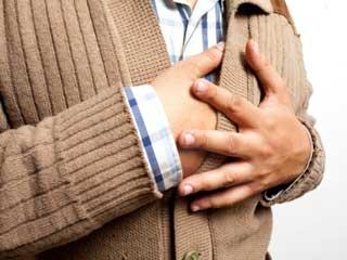 दिल का दौरा पड़ने के दौरान होती हैं ये बातें