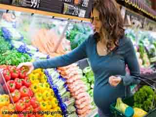 गर्भावस्था के दौरान भारी सामान कैसे उठाएं